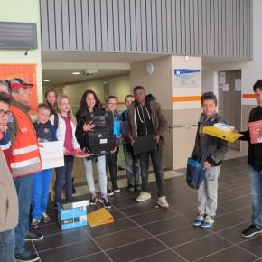 Les collégiens collectent les fournitures scolaires