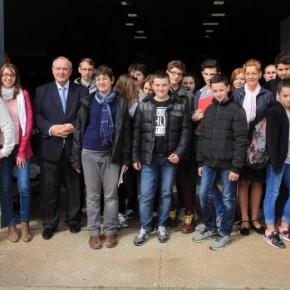 Des collégiens visitent l'entreprise Tobeca
